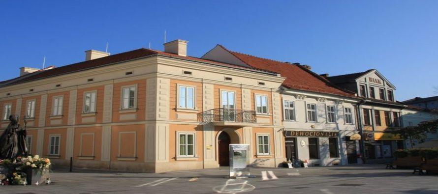 Benedicto XVI estuvo el 27 de mayo de 2007 en la casa natal de este santo polaco y en la carta que...