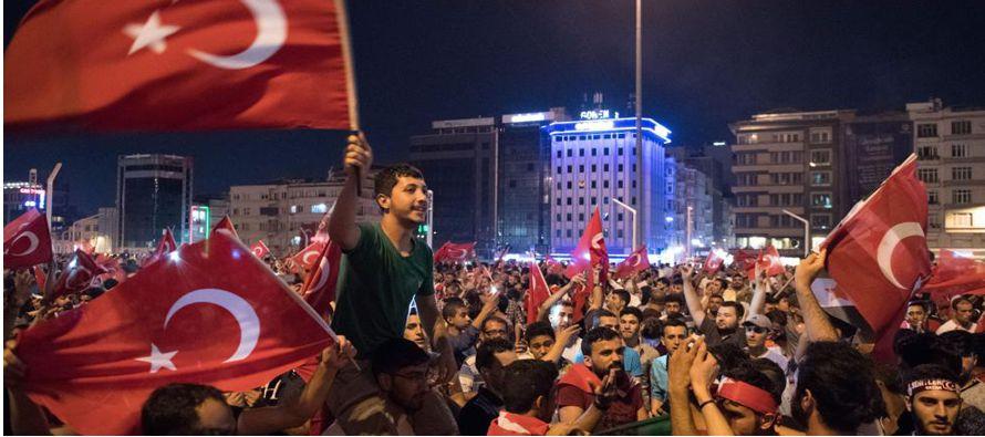 Los refugiados son el objeto del pacto que Turquía y la Unión Europea suscribieron en...