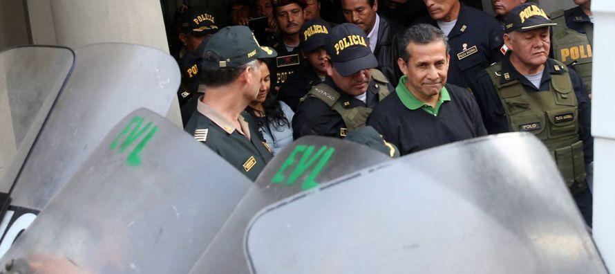 El expresidente peruano Ollanta Humala y su esposa Nadine Heredia pasaron su primer fin de semana...