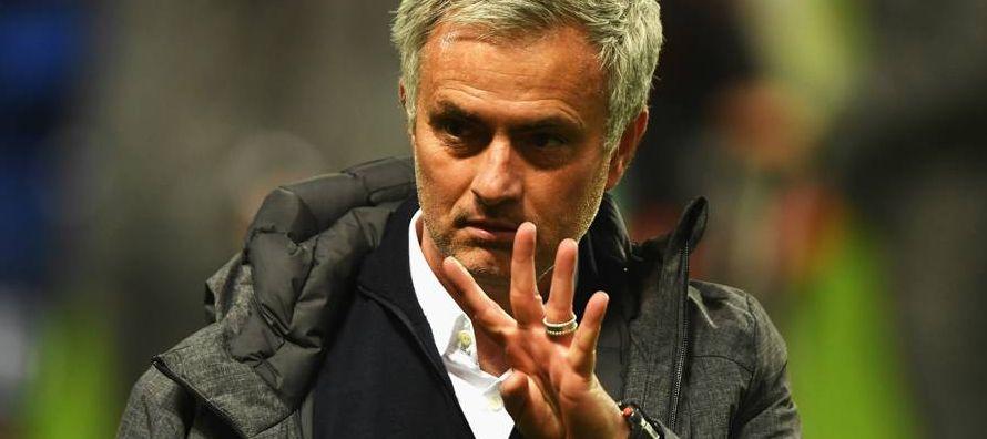 Mourinho apunta a permanecer 15 años en el Manchester United
