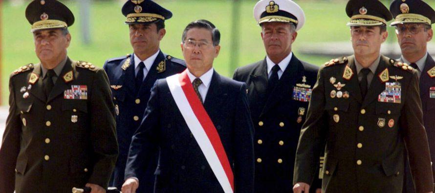 En este momento, Perú es el único país que tiene dos expresidentes y una...