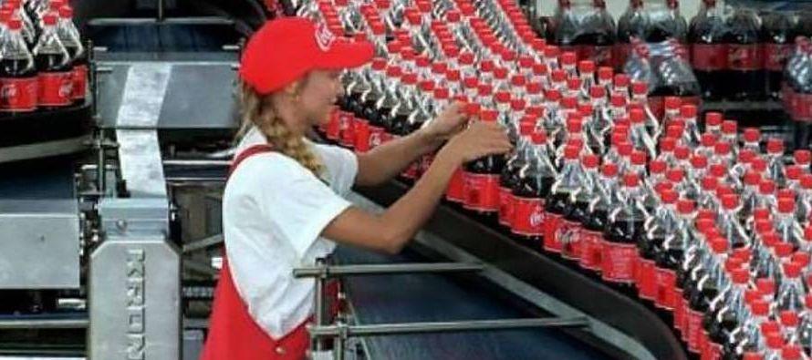 Los ingresos de FEMSA, que opera las tiendas Oxxo y tiene una participación en la gigante...