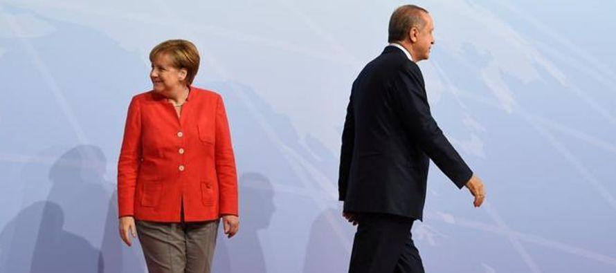 Alemania se ha cansado de jugar al ratón y al gato con Turquía y de responder con...