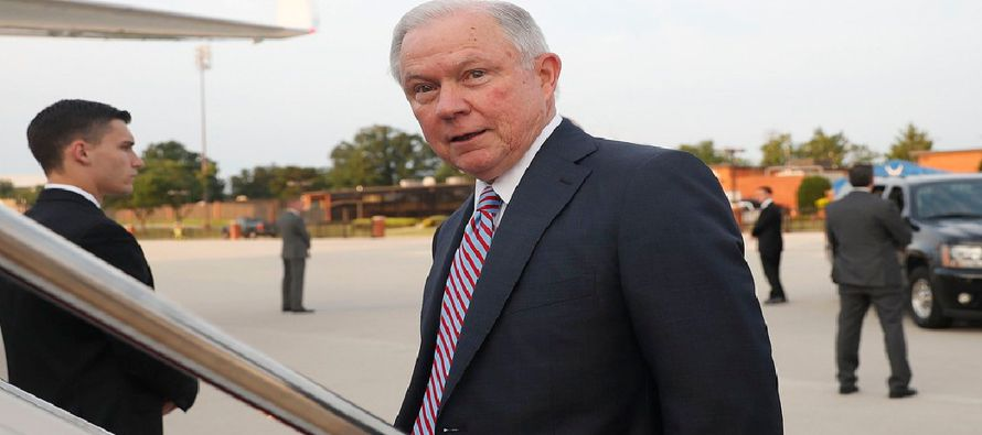 Sessions, quien se ha referido a la Mara Salvatrucha como una amenaza para la seguridad...