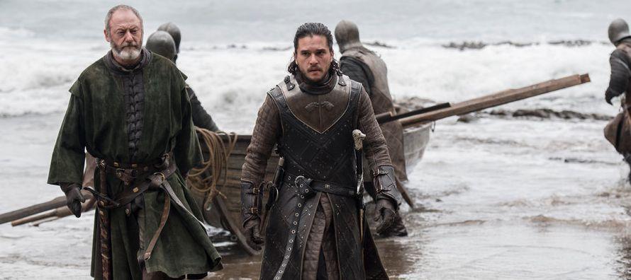Jaime es el mismo hombre, claro, que mató a un rey porque amenazaba con asesinar a todo su...