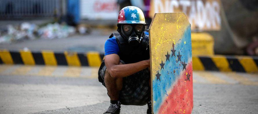 No vale quedarse en lamentaciones ante el atentado a la democracia que se ha producido en...