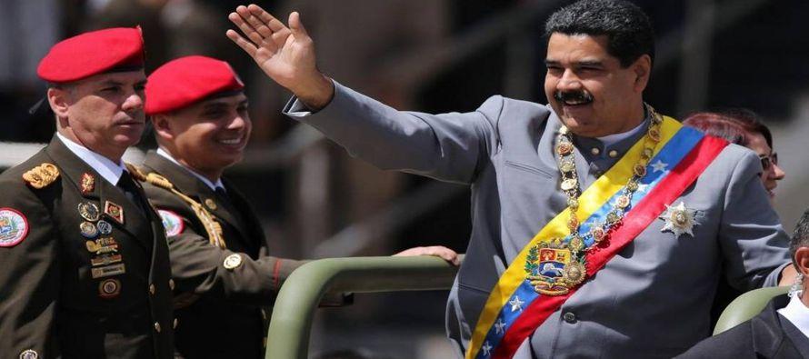 La fractura venezolana se agiganta. Las elecciones del domingo fueron sanguinarias. Costaron doce...