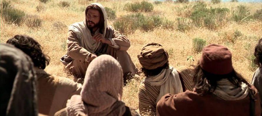 La finalidad de las parábolas de Jesús es enseñar cómo debe actuar una...