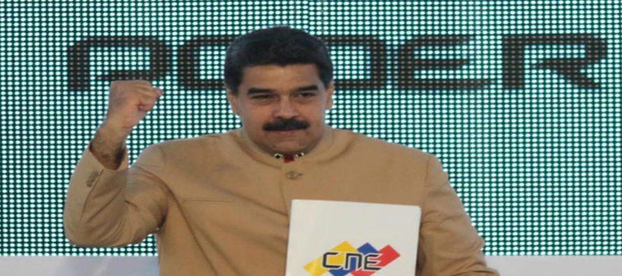 El chavismo pretende resquebrajar a la oposición, nucleada en torno a la consulta popular...
