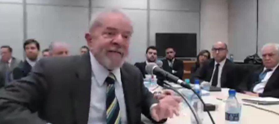 En 2005, durante el segundo año del primer mandato de Lula, estalló el...