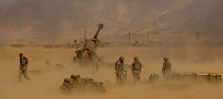 En la frontera con Líbano, Siria y sus aliados de la milicia chií Hezbolá...