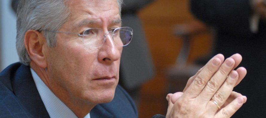 El secretario de Comunicaciones y Transportes de México, Gerardo Ruiz Esparza, ha evitado...