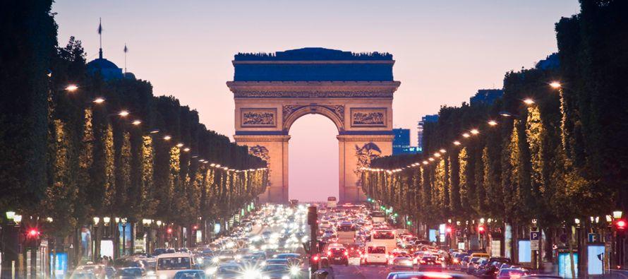 La región Ile-de-France, que comprende esta capital y los departamentos circundantes,...
