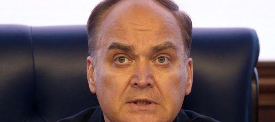 Pero Antónov, un diplomático avezado en cuestiones de desarme y con fama fundada de...