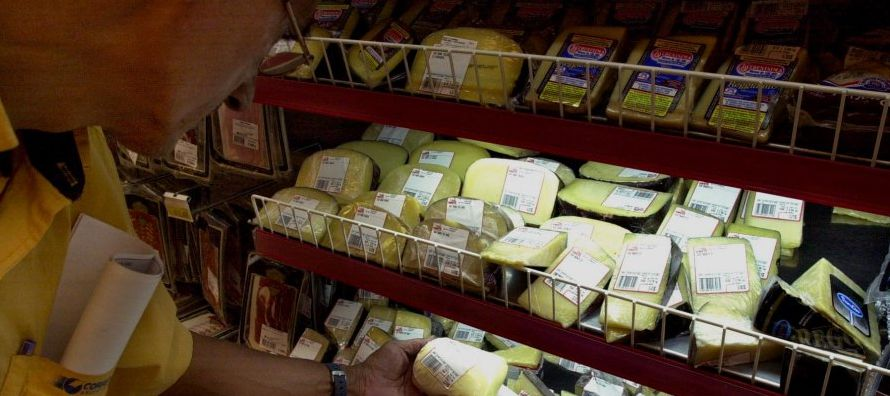 Los precios mundiales de la leche, que han aumentado cerca de un 28 por ciento en los...