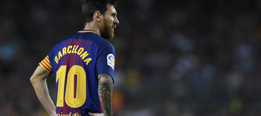 Lionel Messi se reivindicó tras perder un penal en el primer tiempo con dos goles en la...