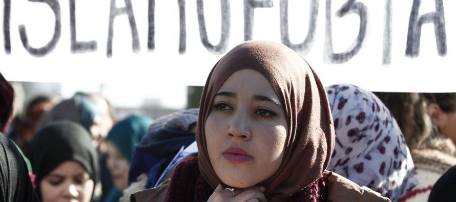 El yihadismo aspira a la islamofobia. Cuesta trabajo admitirlo, pero la paradoja expone, en...