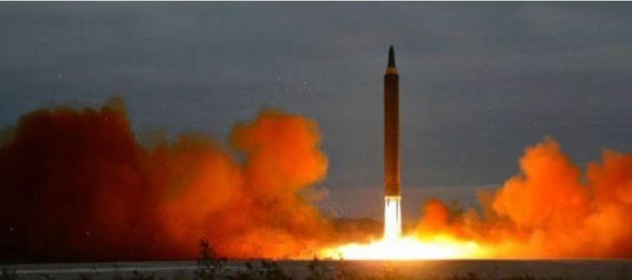 El misil lanzado el martes sobre Hokkaido, la segunda isla más grande de Japón,...