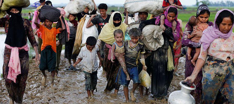 Autoridades de Myanmar han culpado al grupo islamista Ejército de Salvación Rohingya...
