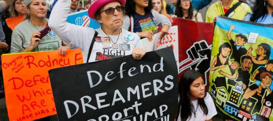 Sus receptores llegaron fundamentalmente de México -más de 618 mil personas-, con un...
