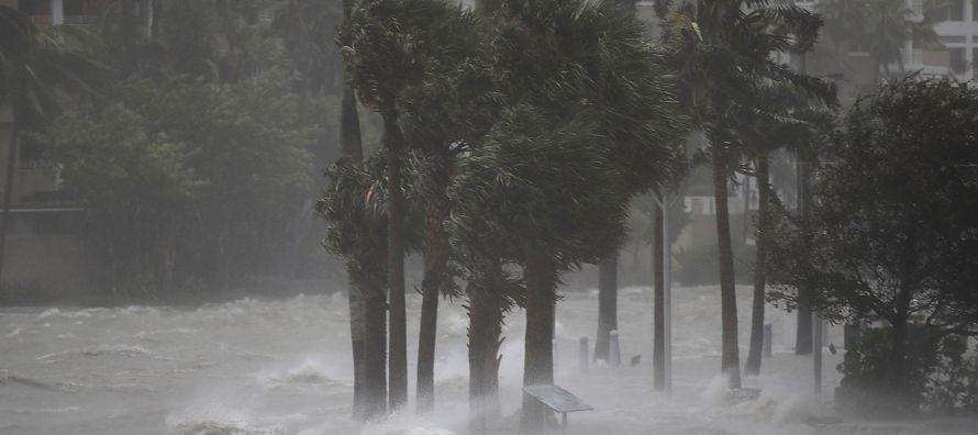 Harvey se convirtió en el primer huracán de estas dimensiones que azota EU desde...