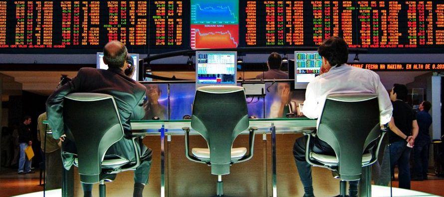 El principal índice de acciones de Brasil cerró el lunes por encima de los 74,000...