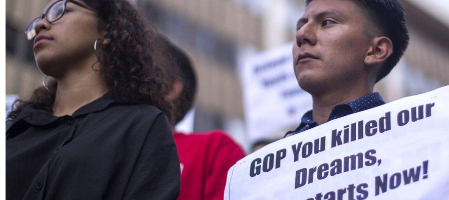 """El Gobierno mexicano respondió diciendo que """"los recibirá con los brazos..."""