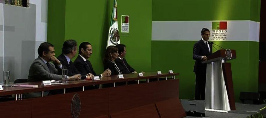 En términos gráficos, discursivos y políticos, Enrique Peña Nieto...