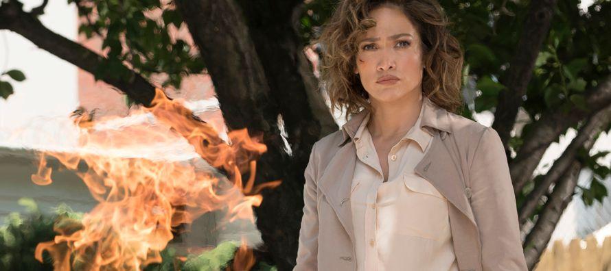 Jennifer Lopez (Nueva York, 1969) aparece en una sala de los estudios Kaufman Astoria, en el barrio...