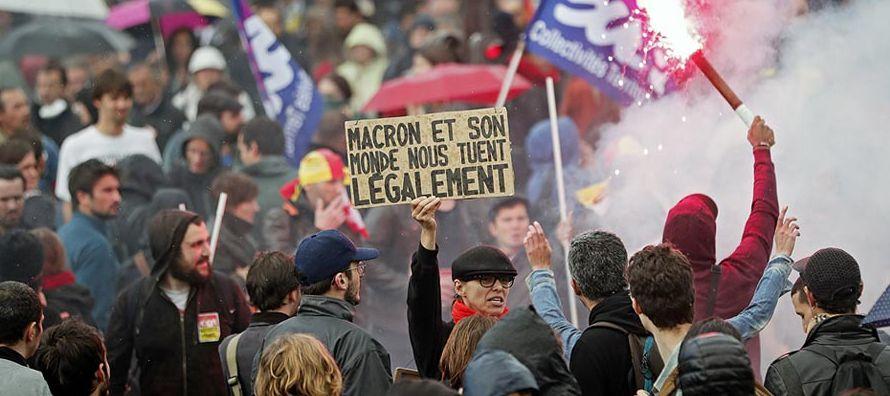 Además de las movilizaciones, la huelga tuvo un impacto en sectores como el transporte, con...
