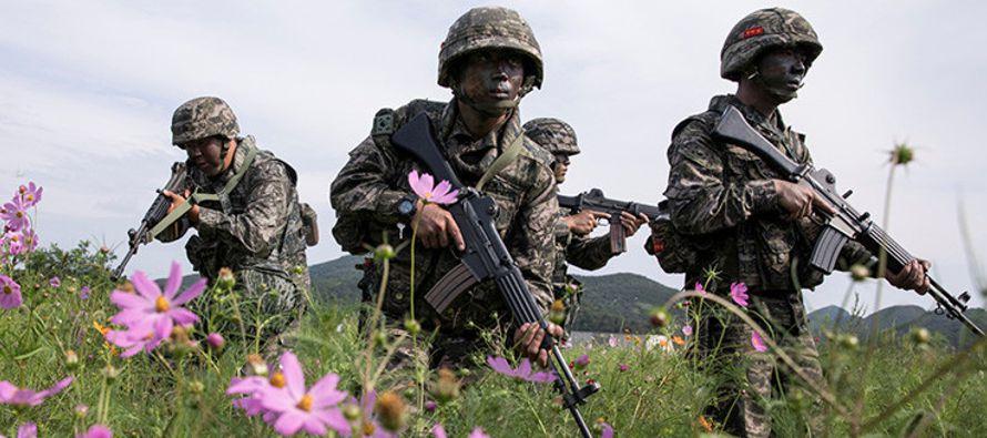 Por su parte Shin Won-sik, un general surcoreano retirado, dijo al diario estadounidense que...