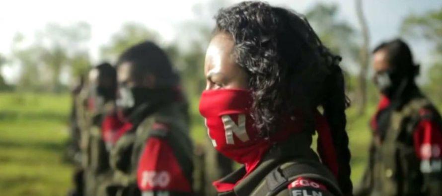 El ELN, acusado de secuestros, asesinatos, narcotráfico, ataques a infraestructura y...