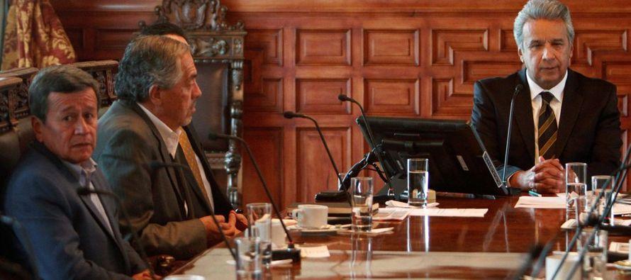 Hoy la política en Ecuador se parece a un juego de póquer: todos se ven la cara...