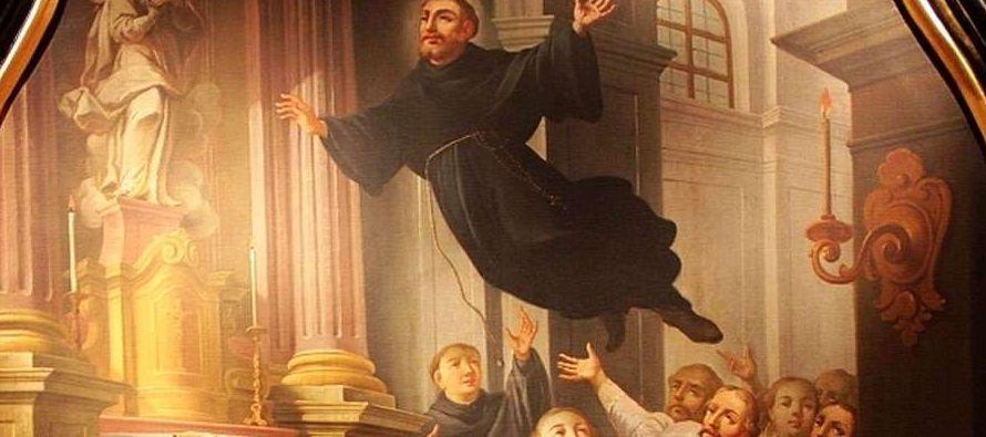 Lo pusieron a estudiar para presentarse al sacerdocio, pero le sucedía que cuando iba a...