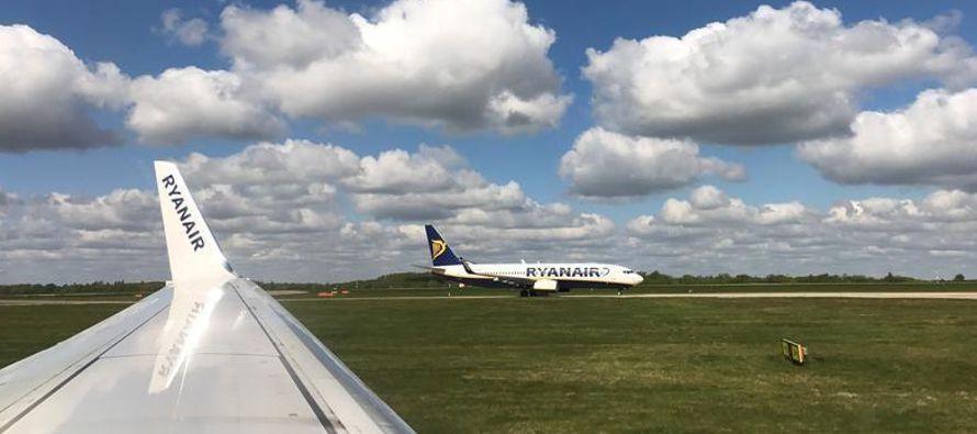 Ryanair evalúa costos tras desastre generado por cancelaciones de vuelos