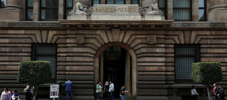 El documento -del banco central (Banxico), la Secretaría de Hacienda y la Comisión...