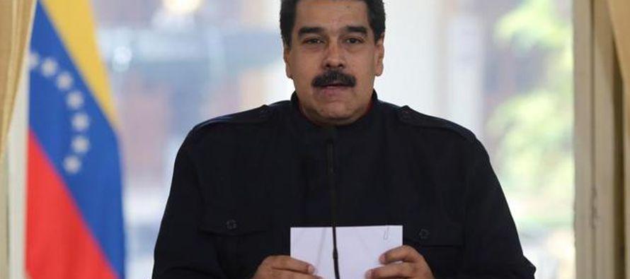 Nicolás Maduro golpea las negociaciones mientras un opositor muere en la cárcel