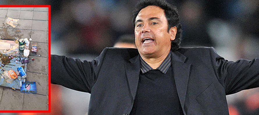 Aficionados del Atlético muestran su repudio a Hugo Sánchez