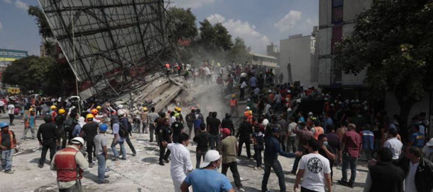 Dos horas después de que muchos mexicanos realizaran un simulacro con motivo del 32...