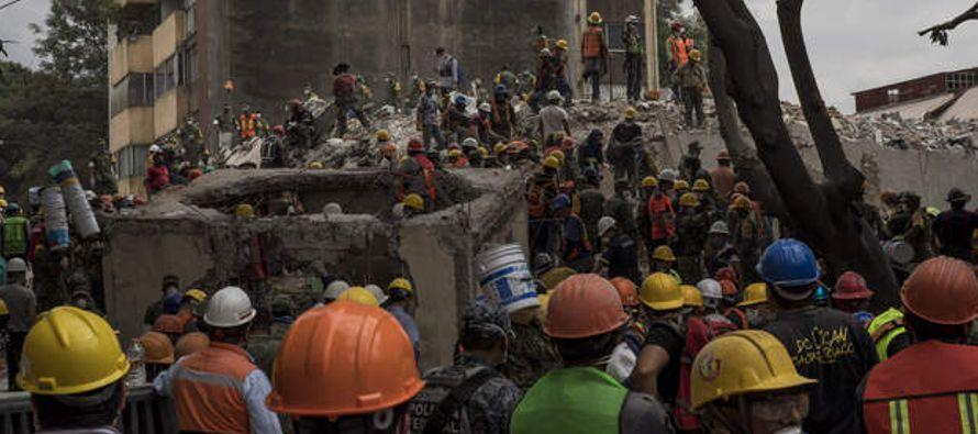 El desastre de esta semana habría dejado unos 30,000 hogares gravemente dañados en...