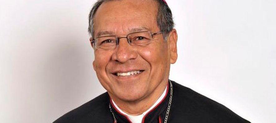 Él ocupó el cargo de Vicario de la Catedral de Tuxtla Gutiérrez (1978-1980) y...
