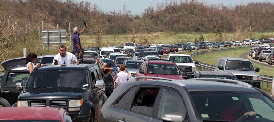 Unas 70,000 personas que habitan el valle ribereño debajo de la represa de Guajataca, en la...