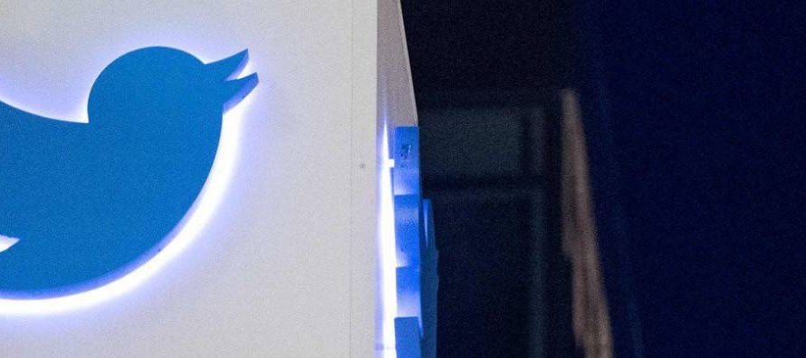 Twitter, a través de un portavoz, ha explicado a Quartz que están cooperando para...