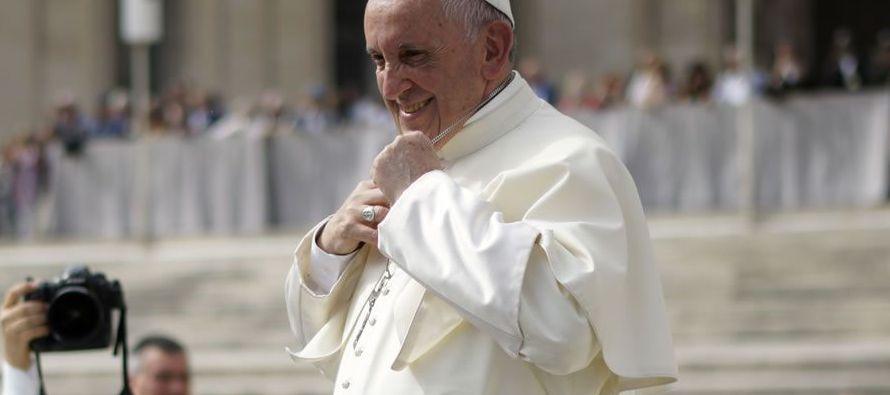 En el mismo, explicó hoy el Vaticano, el papa abordará el fenómeno de las...