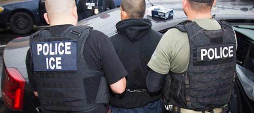 El Servicio de Inmigración y Control de Aduanas (ICE) informó que la Operación...