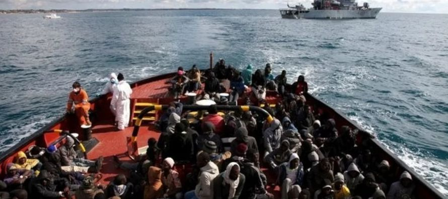 Los traficantes de personas usan cada vez más a Túnez como centro de operaciones para...