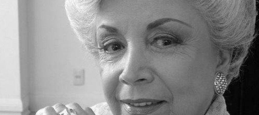Durante su paso por la pantalla chica participó en 11 telenovelas, entre las más...