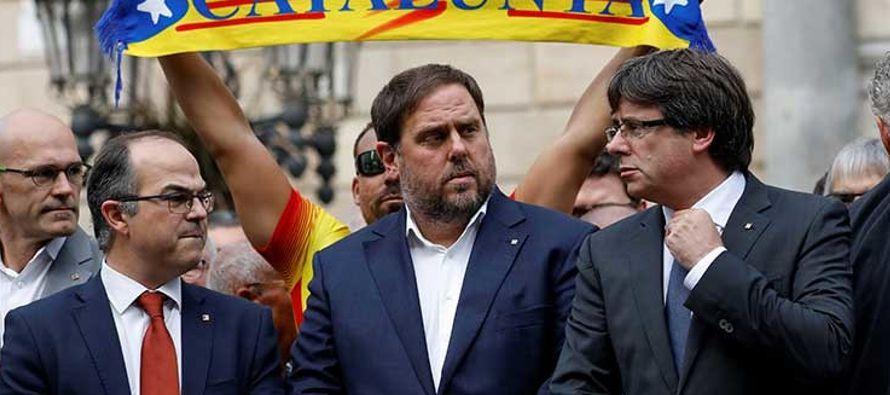 Para afrontar esta situación, Rajoy, se ha reunido este lunes en la Moncloa con el...