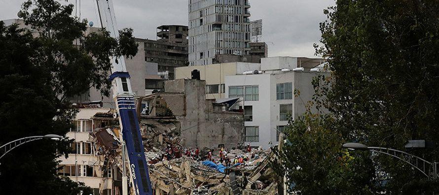 Tras el colapso de 47 edificios en la capital y la declaratoria de fallas estructurales en...
