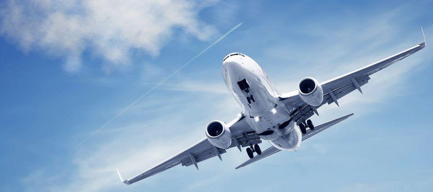 La demanda por transporte aéreo de carga global, medido por kilómetros por tonelada...